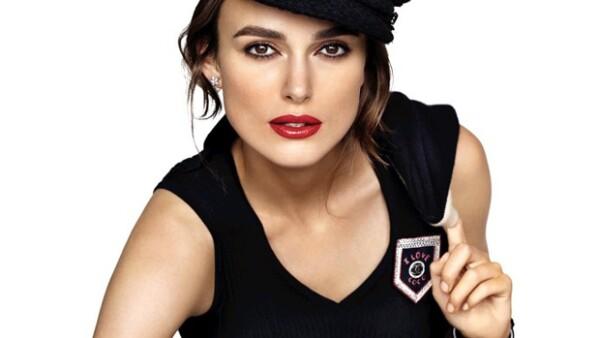 Conoce que hay detrás de los nuevos lipsticks de Coco Chanel donde la actriz británica luce a la perfección.
