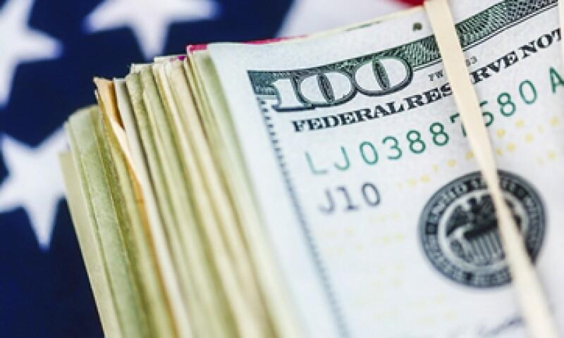 En el mercado interbancario, el dólar cerró con una baja de 0.32%. (Foto: iStock by Getty Images)