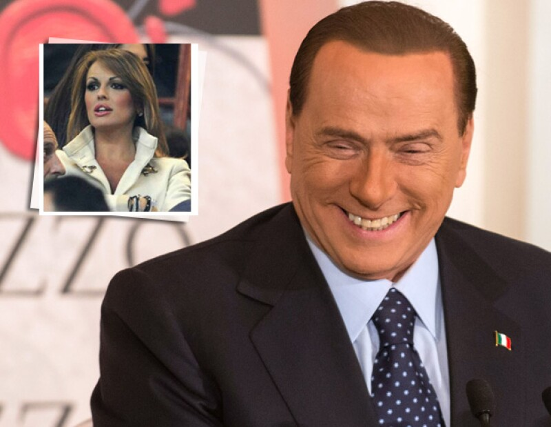 Hace tiempo se les vio juntos en un partido del Milán, en restaurantes y en un acto político, sin embargo, fue hasta ahora que una amiga del magnate confirmó la relación.