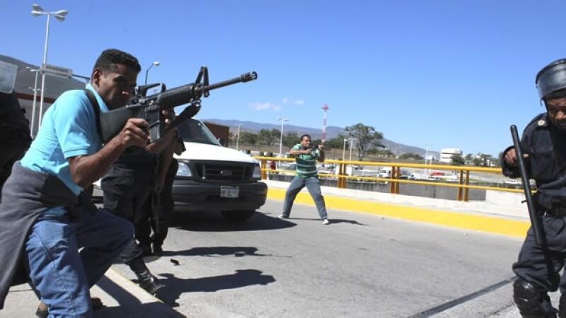 manifestación guerrero ayotzinapa