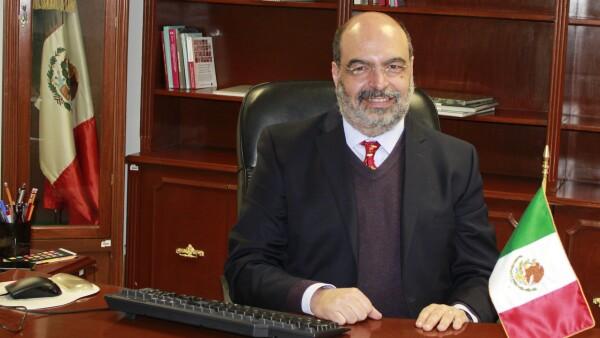 Dr._Echarri.jpg