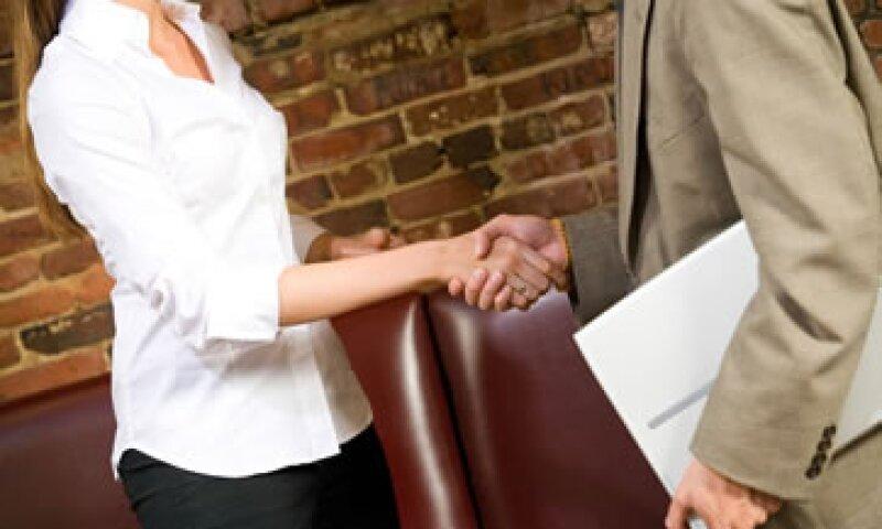 Los expertos recomiendan sondear quién es la persona que tiene el poder para lograr la promoción. (Foto: Thinkstock)