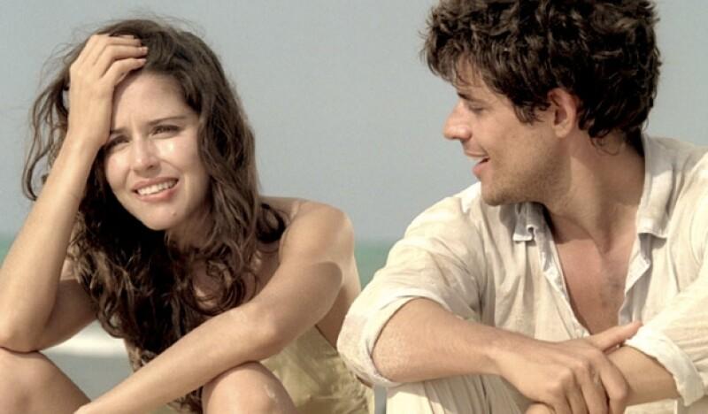Ana Claudia está perdida en una isla desierta con un desconocido.