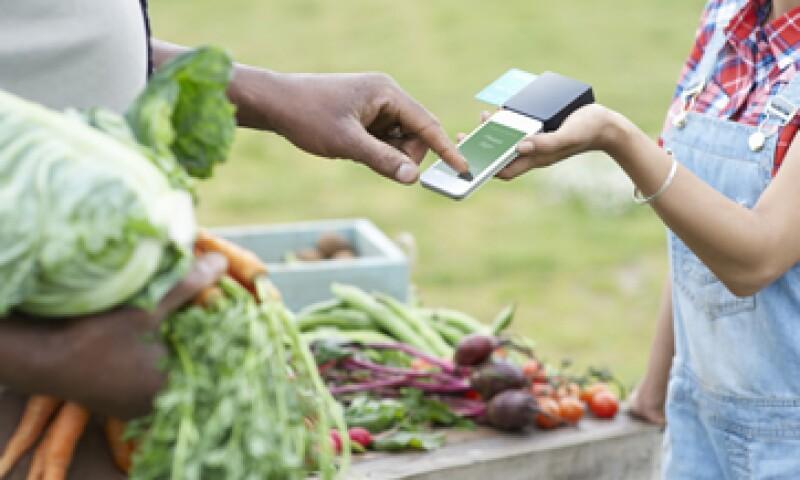 Expertos señalan que hacen falta más reformas que puedan incorporar en los pequeños negocios el uso de las tecnologías. (Foto: Getty Images)