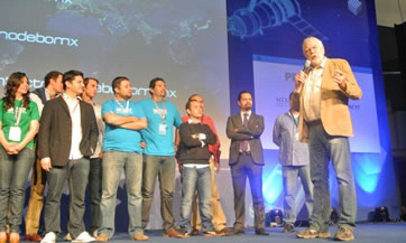 Nolan Bushnell, fundador de Atari, exhortó a emprendedores a cambiar el mundo con su esfuerzo. (Foto: Gabriela Chávez.)