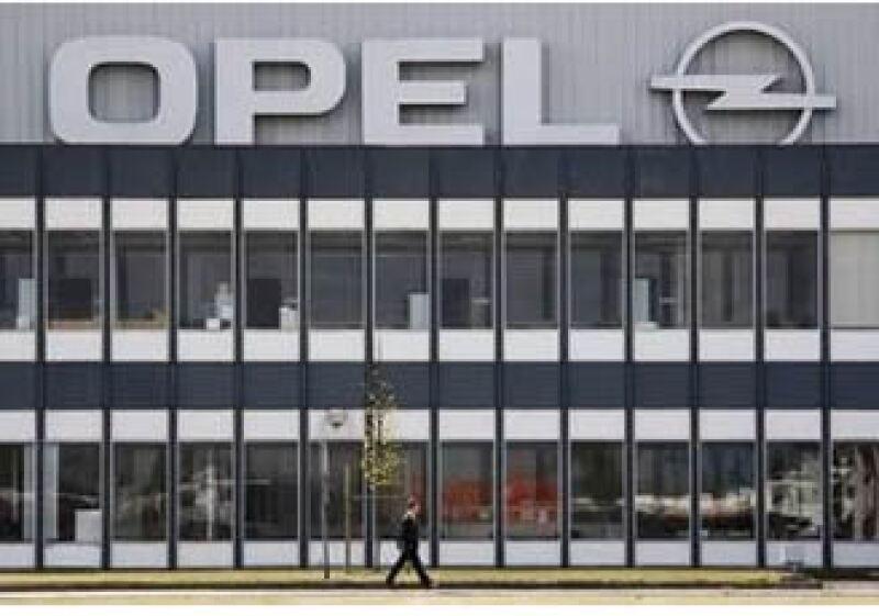 GM acordó esta semana vender un 55% de Opel al consorcio de Magna y Sberbank. (Foto: Reuters)