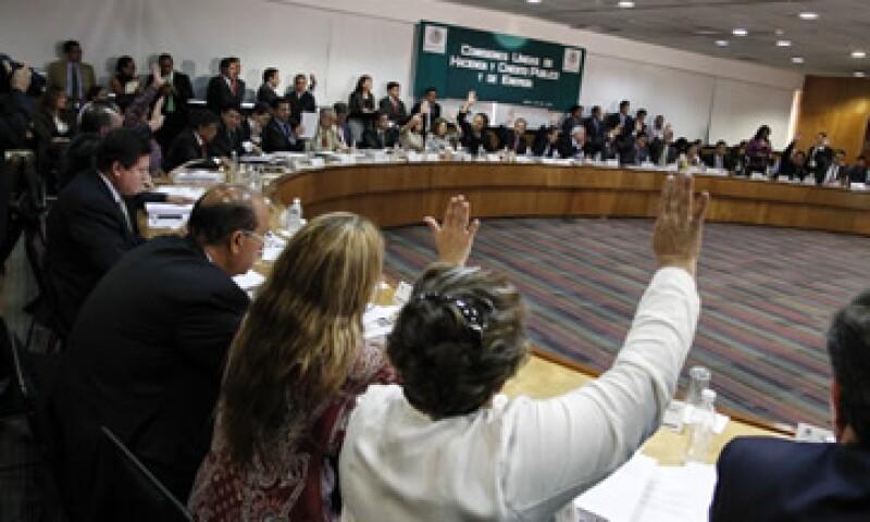 Los legisladores prevén una serie de reuniones con funcionarios y expertos en materia energética. (Foto: Cuartoscuro)