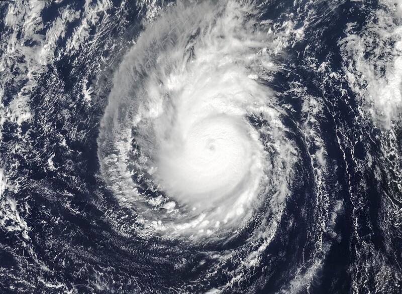 Poderoso ciclón