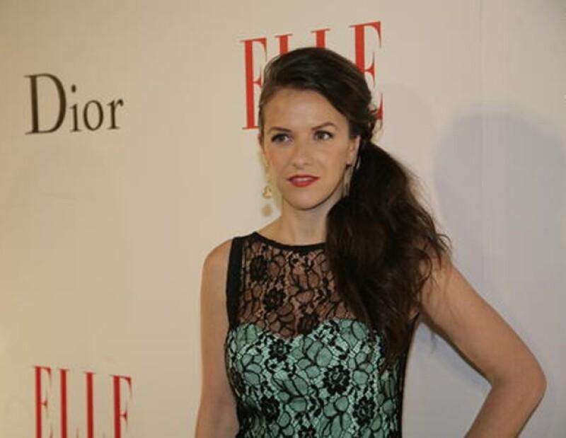 Iliana Fox protagoniza la nueva serie de TV Azteca, A Corazón Abierto, con Sergio Basáñez.