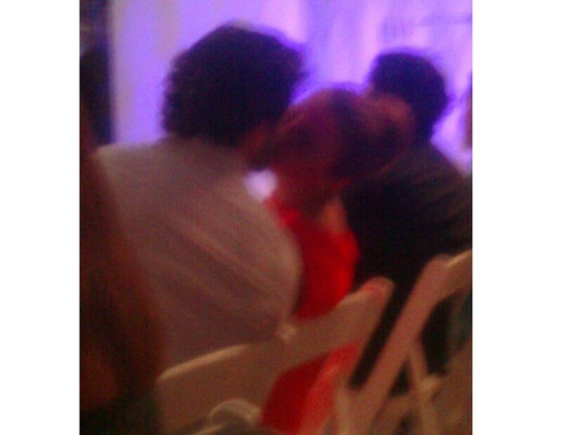 La actriz y su novio estuvieron muy cariñosos durante la pasarela de Elle México Diseña 2011 que se llevó a cabo en Veracruz.