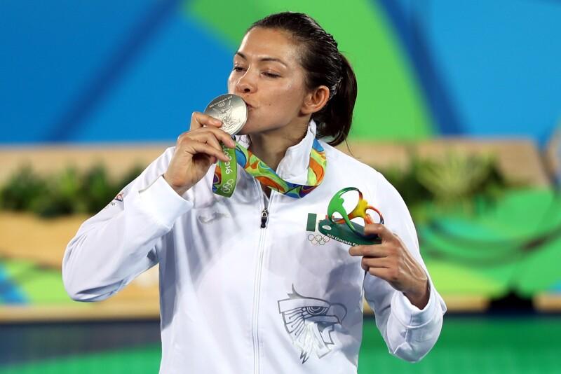 María del Rosario Espinoza logra plata en taekwondo