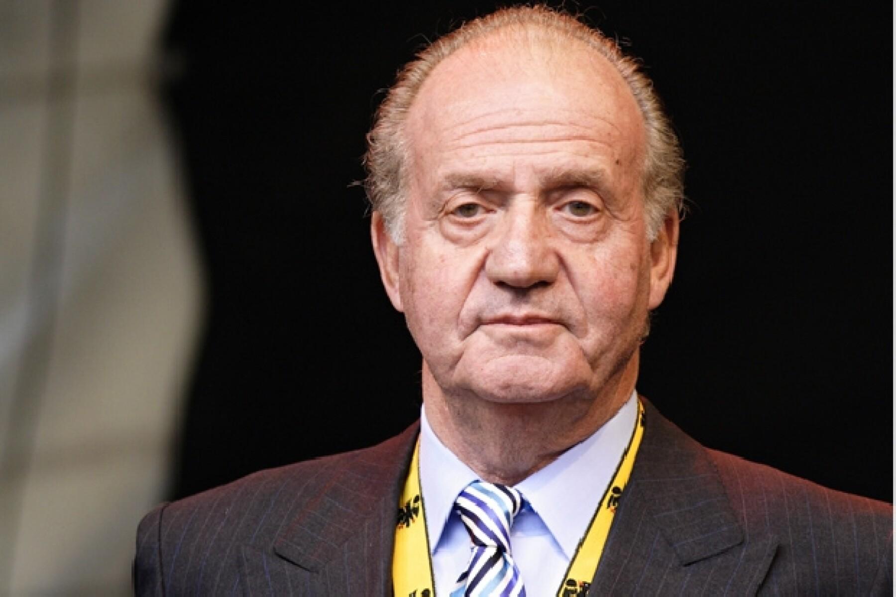 El rey de España comunicó su decisión de abdicar en favor de su hijo Felipe, príncipe de Asturias.