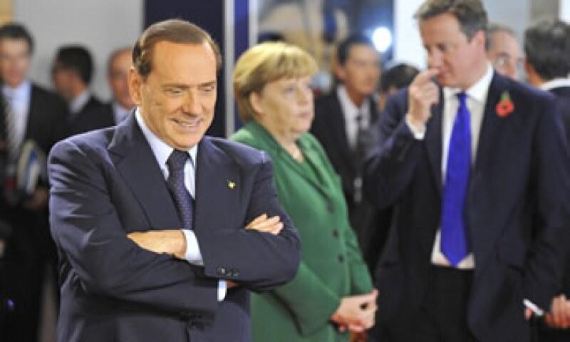 Silvio Berlusconi enfrenta una fuerte presión al interior de Italia para llamar a elecciones adelantadas. (Foto: Reuters)