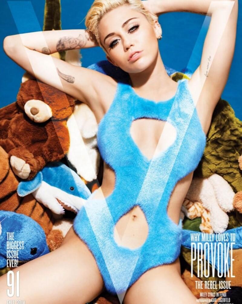 Así luce Miley en la portada de la revista.