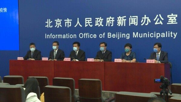 "Las autoridades chinas consideran ""controlado"" foco de coronavirus en Pekín"