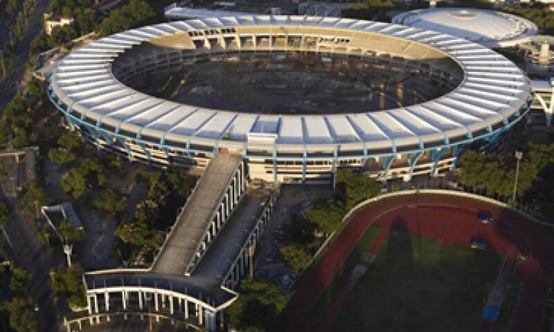 Una huelga crearía problemas para que el estadio esté listo a tiempo para la Copa de Confederaciones. (Foto: AP)