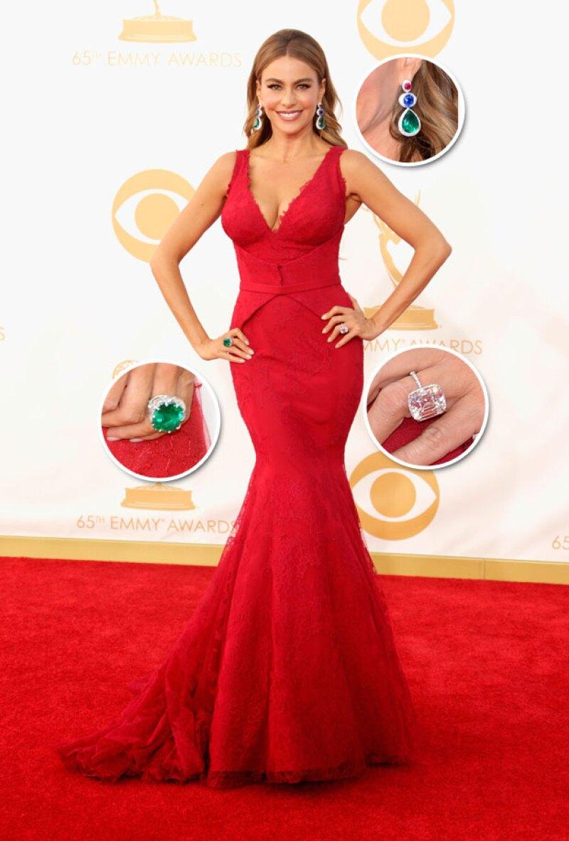 El set de piedras preciosas que Sofia usó en la red carpet de los Emmy 2013 cuyo valor fue de 7 millones de dólares.