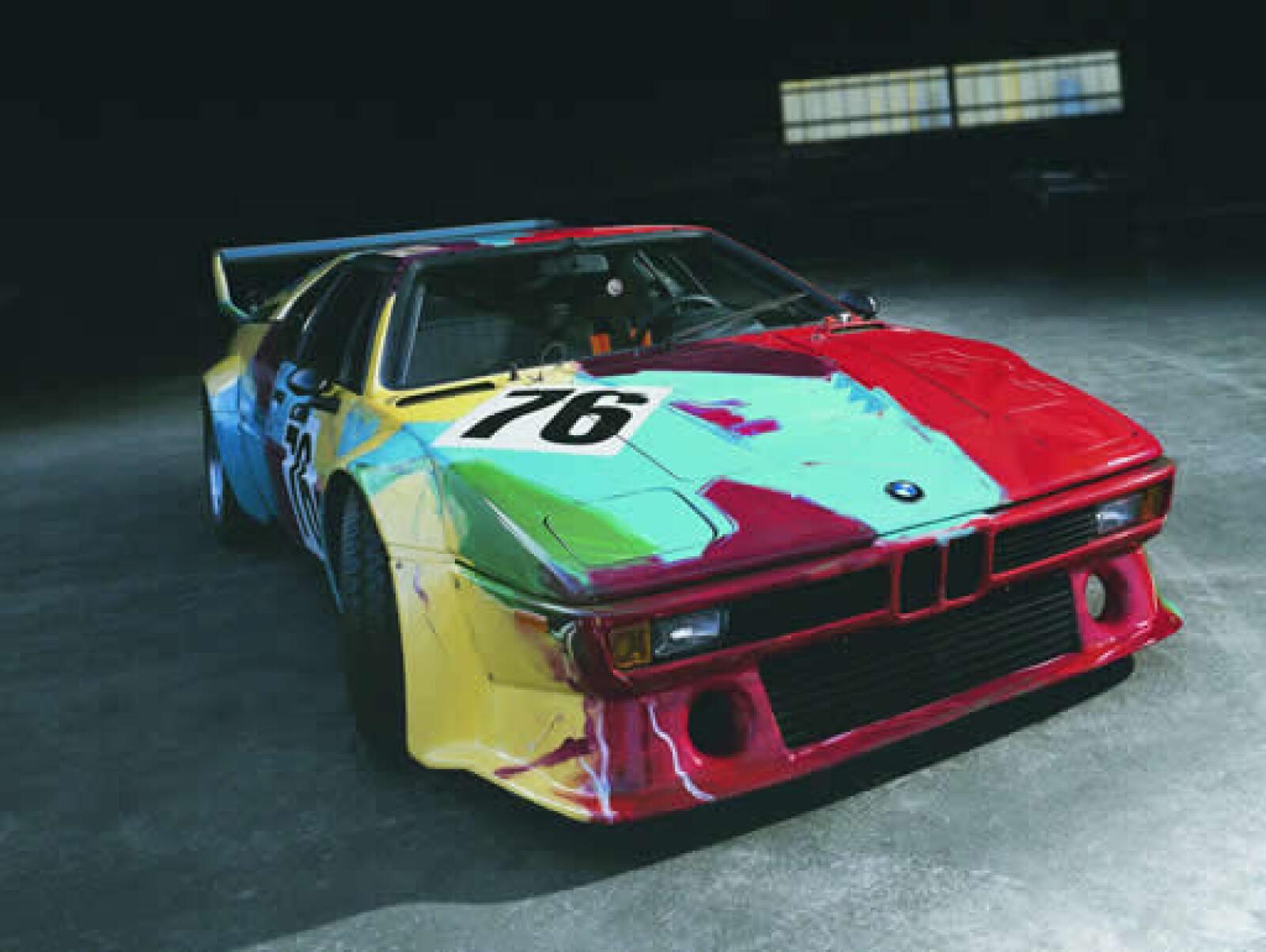 BMW M1, este auto es una obra de arte la cual fue pintada por Warhol en unos 22 minutos.