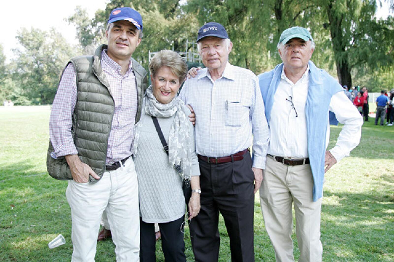 Christian,Cristina y Ernesto Lippert con Humberto Andonegui