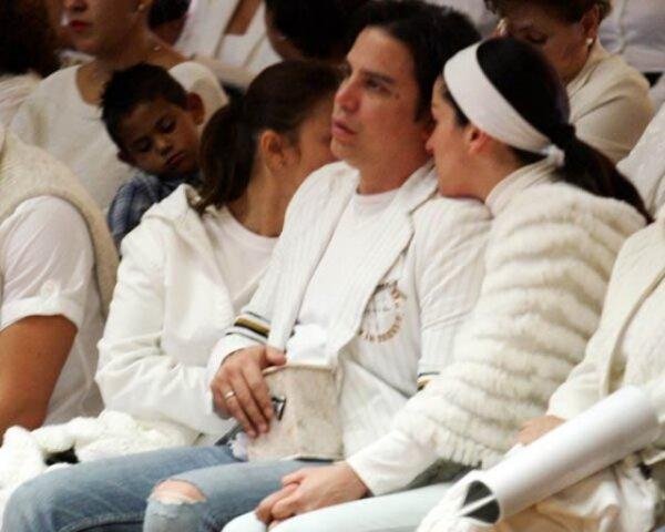 Paulo y Lidia tomados de las manos despidieron a su hija en la Basílica de Guadalupe.