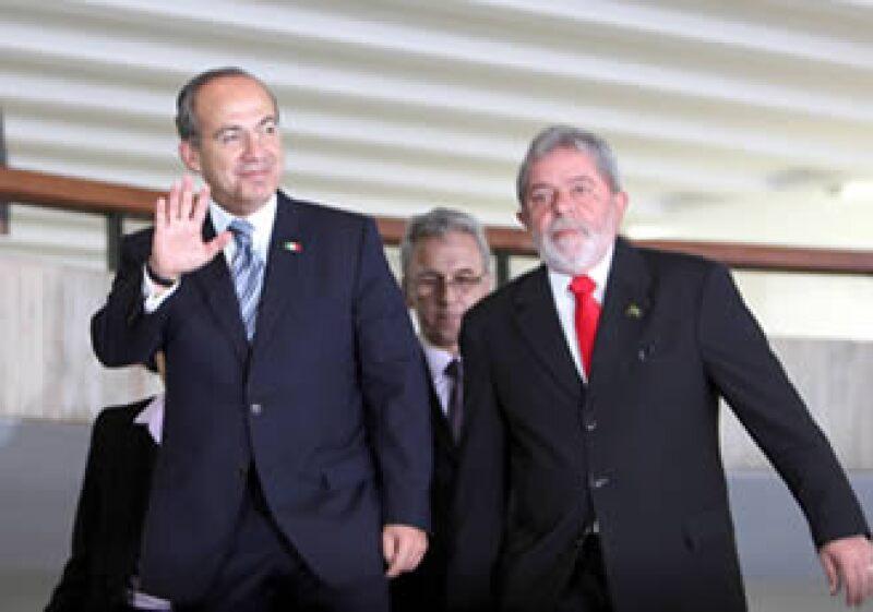 Felipe Calderón instó a los legisladores a dialogar para enfrentar la brecha financiera de 300,000 millones de pesos. (Foto: Notimex)