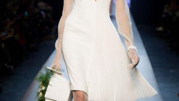 La opción de Jean Paul Gaultier Couture es buena para una boda civil.