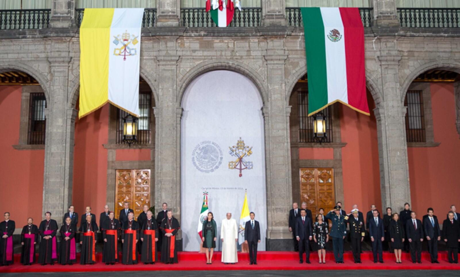 Francisco estuvo en Palacio Nacional como jefe del Estado Vaticano.