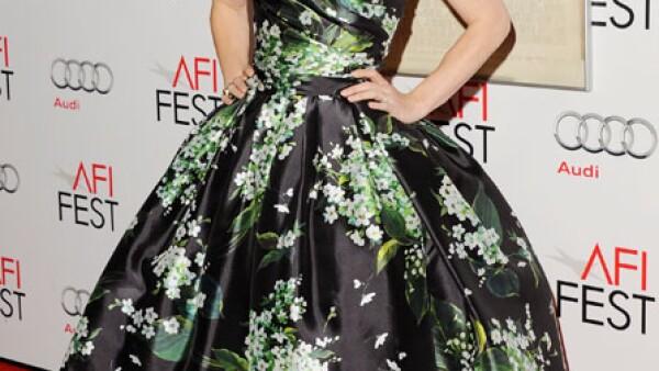 A algunos les gusta y a otros no el vestido ampón y floreado que llevó la actriz a la alfombra roja.