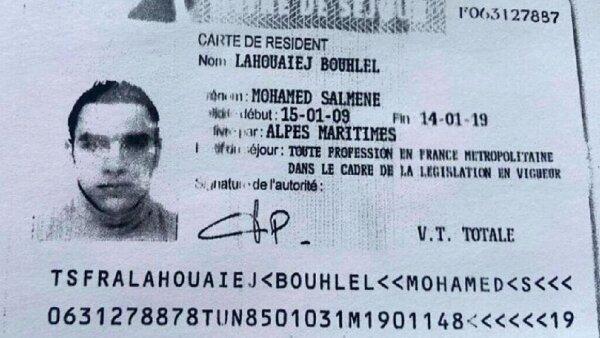 Previamente al atropellamiento, Mohamed Boulhel había disparado contra los agentes, quienes finalmente lograron abatirlo.