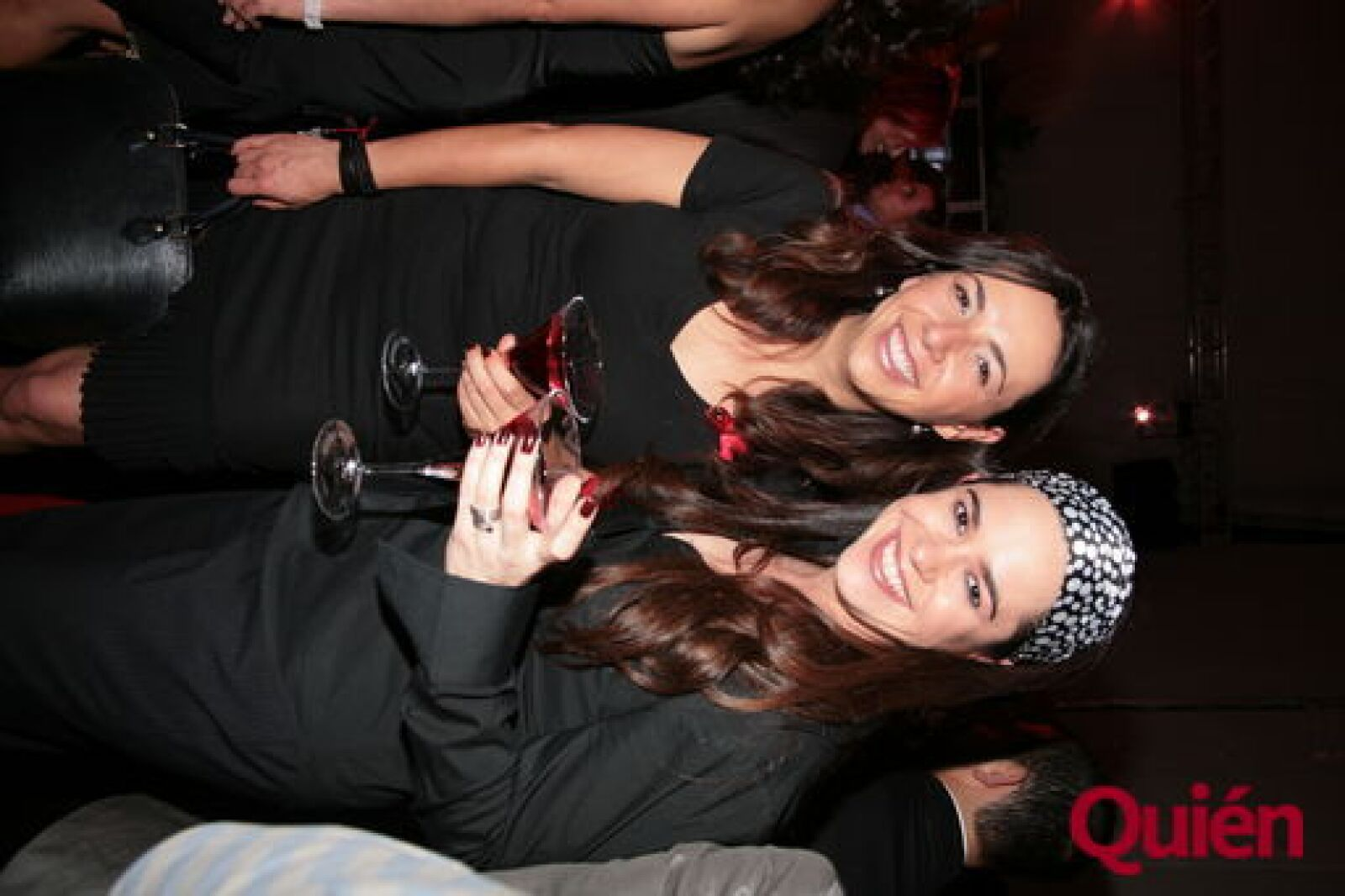 Laura Manzo, Yuridia Sierra