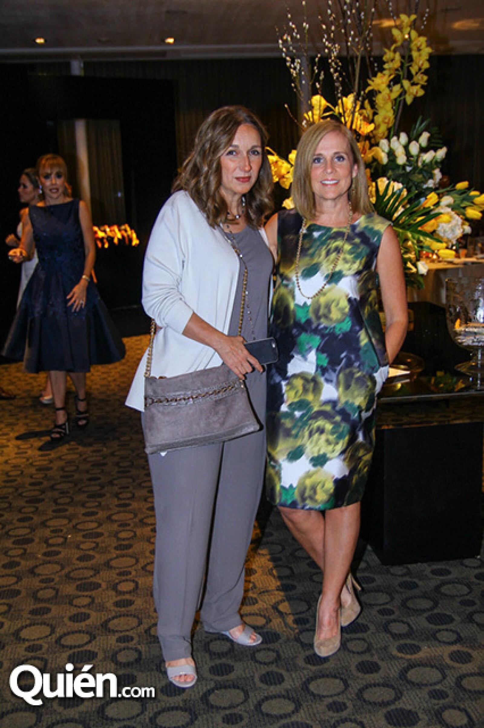 Adriana Cotera de Montemayor y Anette Gregory de Dabdoub