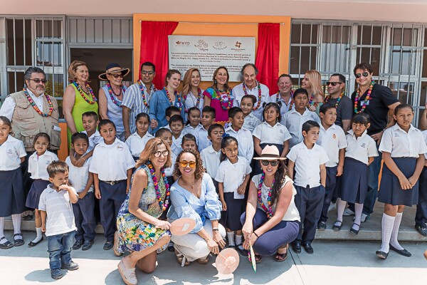 Niños en Alegría y Happy Harts Mx inauguran escuela en Iguala Guerrero