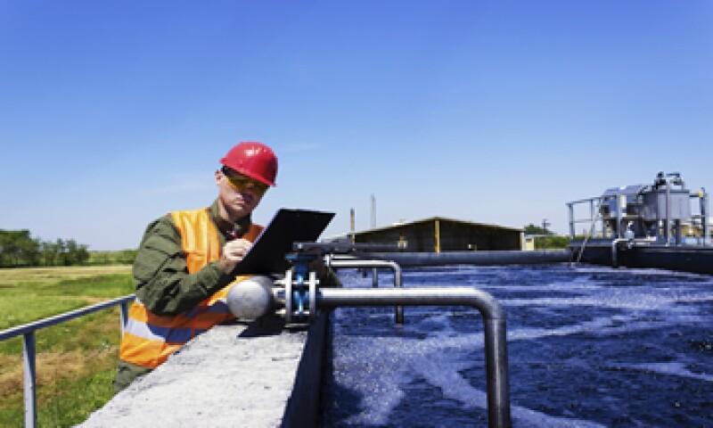 Pemex podrá acceder a la tecnología más avanzada de la industria en el tratamiento de aguas residuales.  (Foto: iStock by Getty Images. )