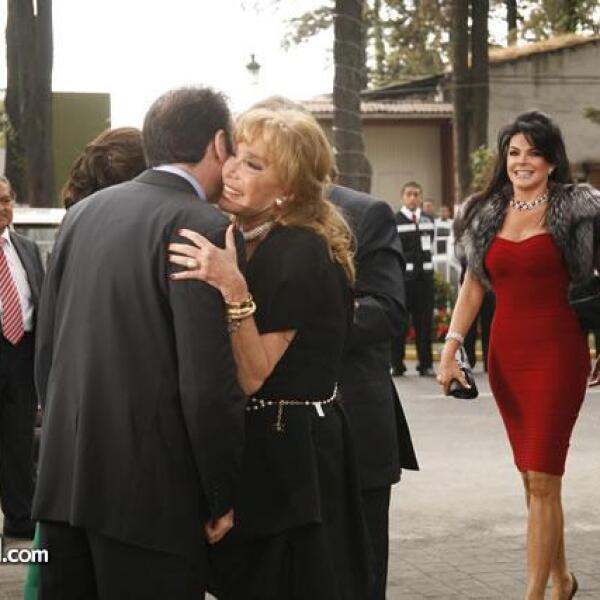 Tony Camil,Mariana Tort y Carlos Peralta