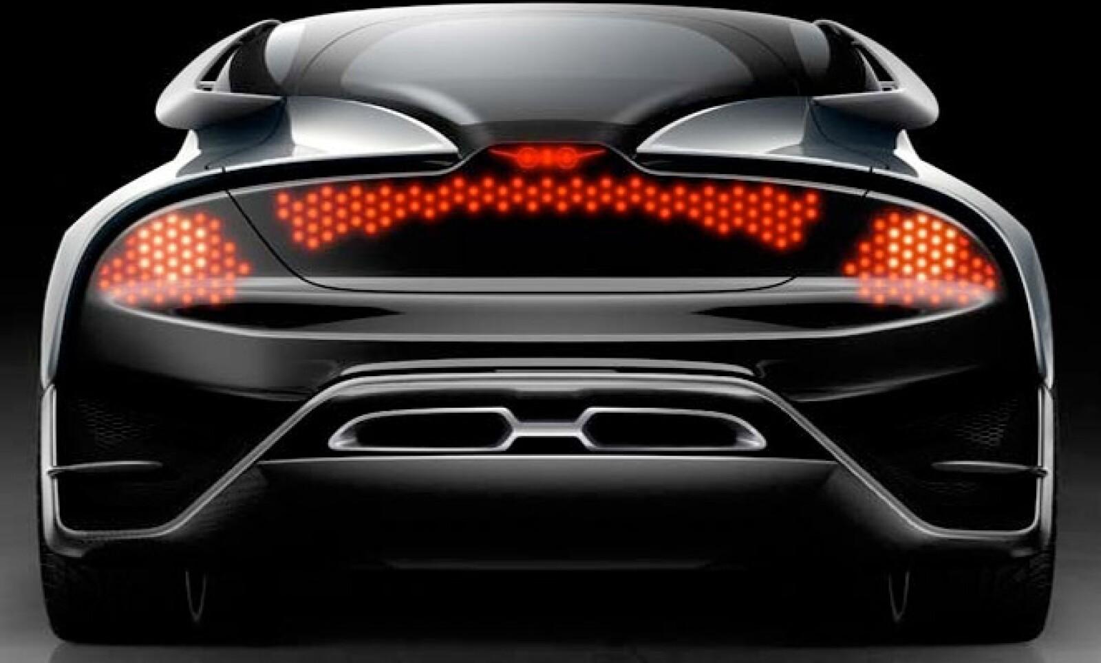 Este prototipo es impulsado por un novedoso sistema híbrido, que genera electricidad al mismo tiempo que moviliza al automóvil.