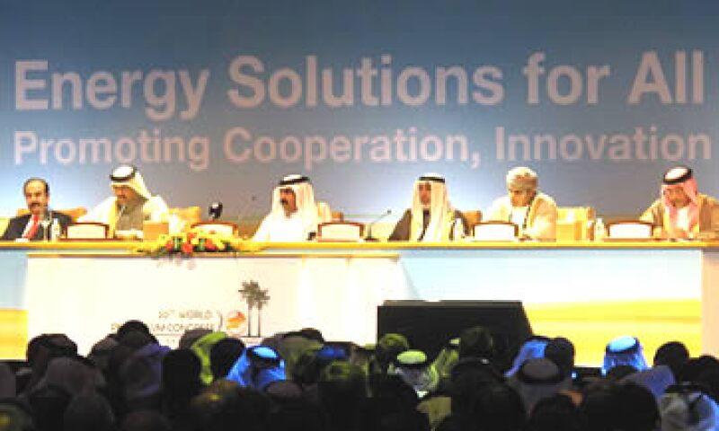 Autoridades de Bahrain y los Emiratos Árabes Unidos dieron a conocer proyectos en torno a la energía solar. (Foto: Cortesía CNNMoney)