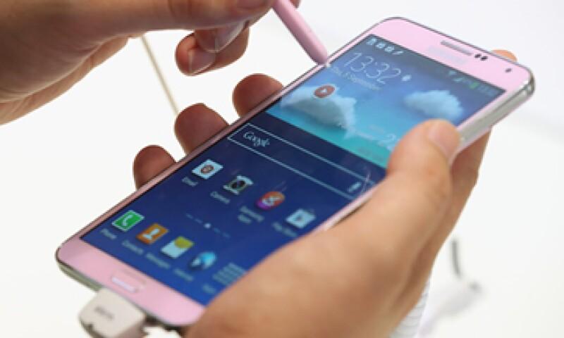 Samsung señala que sus teléfonos son resistentes a la fuerza del trasero de los usuarios. (Foto: Getty Images)