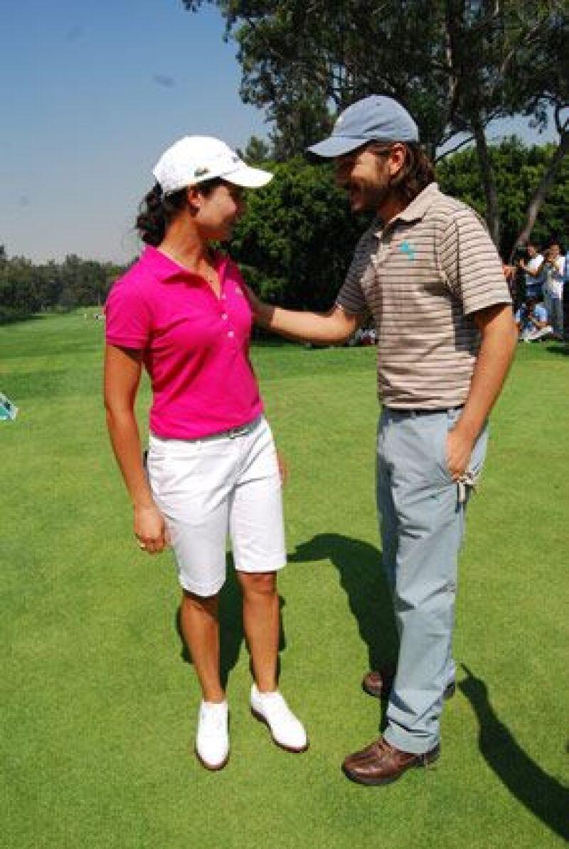 El actor mexicano y la jugadora tapatía participaron en el Torneo ProAm previo al Lorena Ochoa Invitational; Luna demostró su poca experiencia en el deporte.