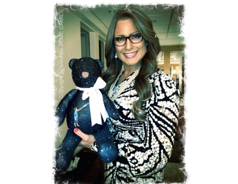 Con el fin de recaudar fondos para ayudar a niños con cáncer, el pasado martes se llevó a cabo la subasta de osos de la firma Martínez & Sordo, el diseño del actor fue de los de mayor aceptación.