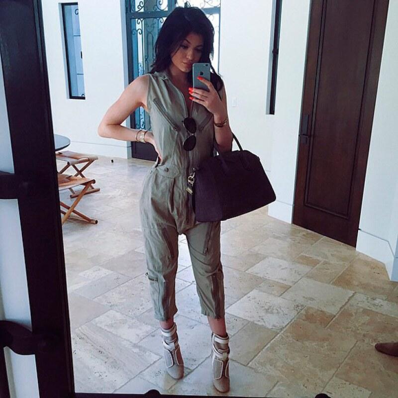 Esta fue la foto que origininó miles de comentarios luego de que Kylie misma aceptara su aumento de peso.