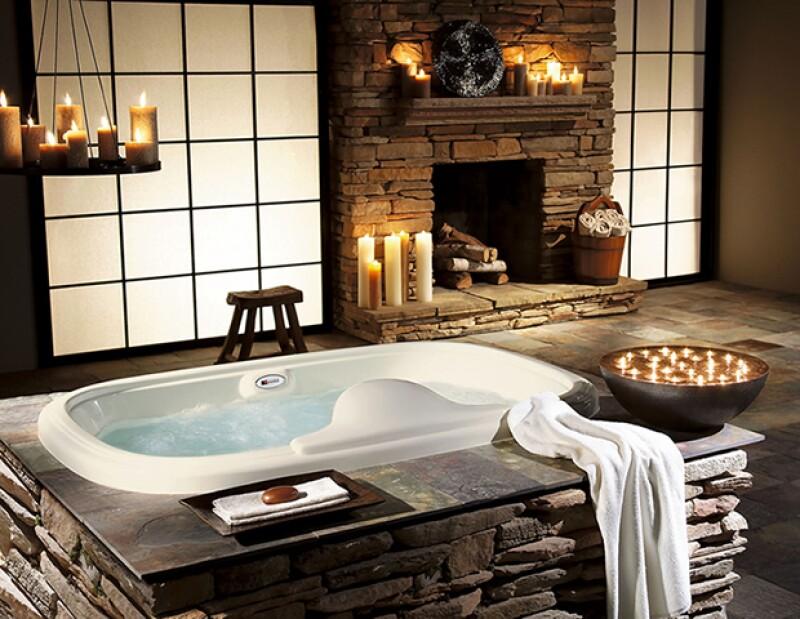 Bañarte por la noche ayudará a relajar tus músculos y tu mente, preparándote para dormir.