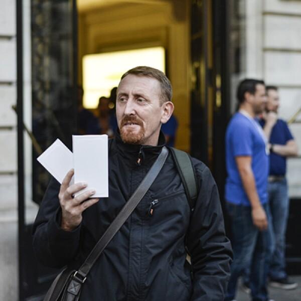 En Francia esperaron con mayor moderación el teléfono de Apple.