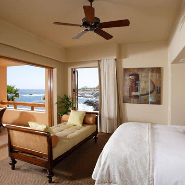 La ubicación del hotel, en los riscos de Punta Ballena, hace de este destino un lugar ideal para apreciar a las ballenas grises.