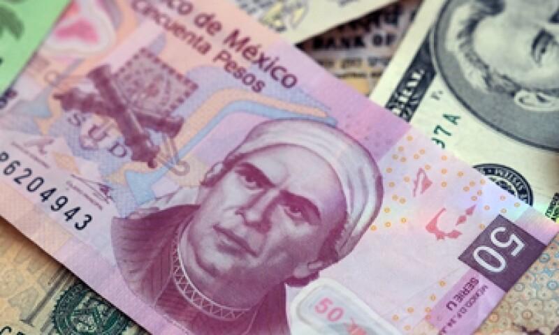 Operadores y analistsa estiman que la divisa opere en un rango de entre 12.28 y 12.36 unidades por dólar. (Foto: Getty Images)