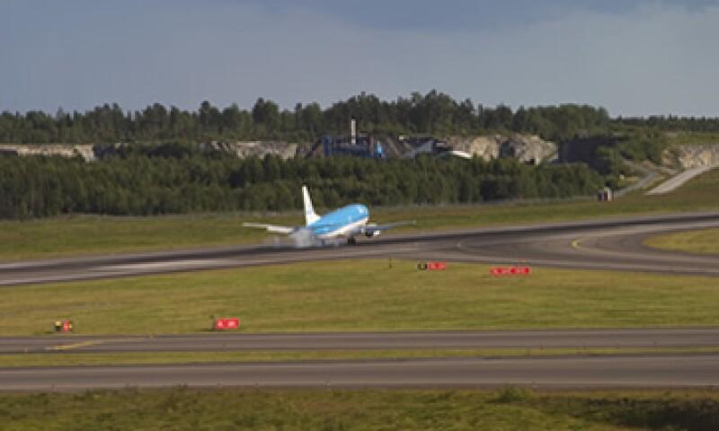 La SCT expresó que no conoce algún aeropuerto en el mundo donde se subasten los slots. (Foto: Photos to Go)