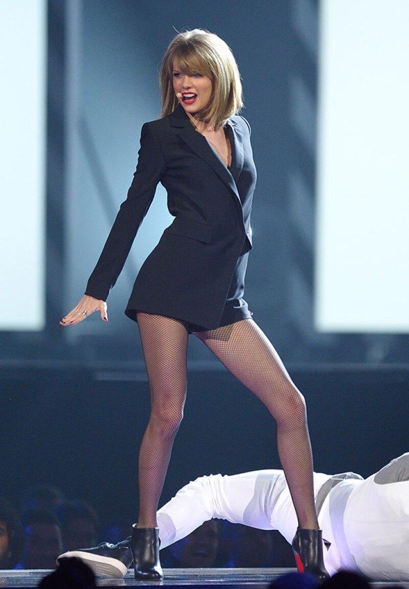 La cantante obtuvo un seguro que protegerá a sus famosas piernas en caso de que algo llegue a ocurrirles.