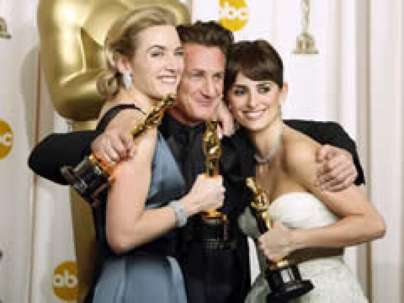 Kate Winslet, mejor actriz; Sean Penn, mejor actor, y Penélope Cruz, mejor actriz de reparto. (Foto: Reuters)