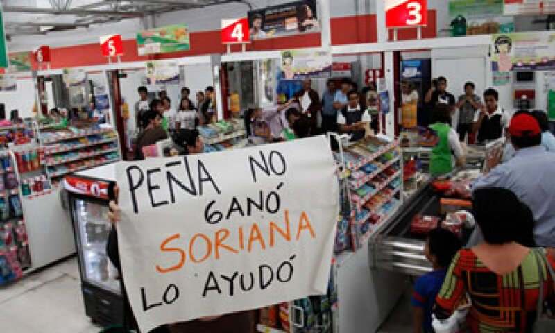 Jesús Zambrano, presidente del PRD lamentó los ataques contra las tiendas Soriana y pidió que se investiguen los hechos. (Foto: Reuters)