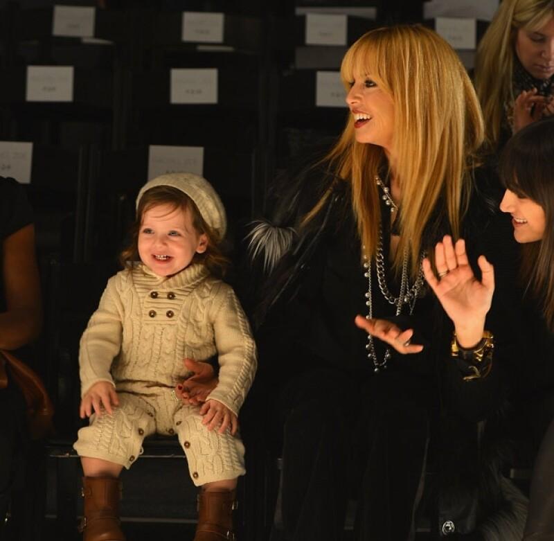 El hijo de la stylist Rachel Zoe acompañó a su mamá a la Semana de la Moda de Nueva York, ahí el pequeño de casi dos años ha acaparado las miradas por lo lindo que es.