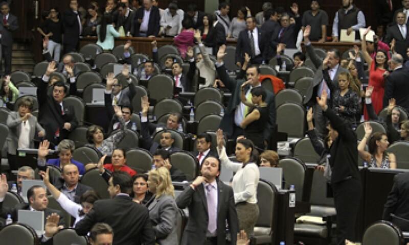 El contrato a Telmex fue asignado el 21 de diciembre de 2012. (Foto: Notimex)